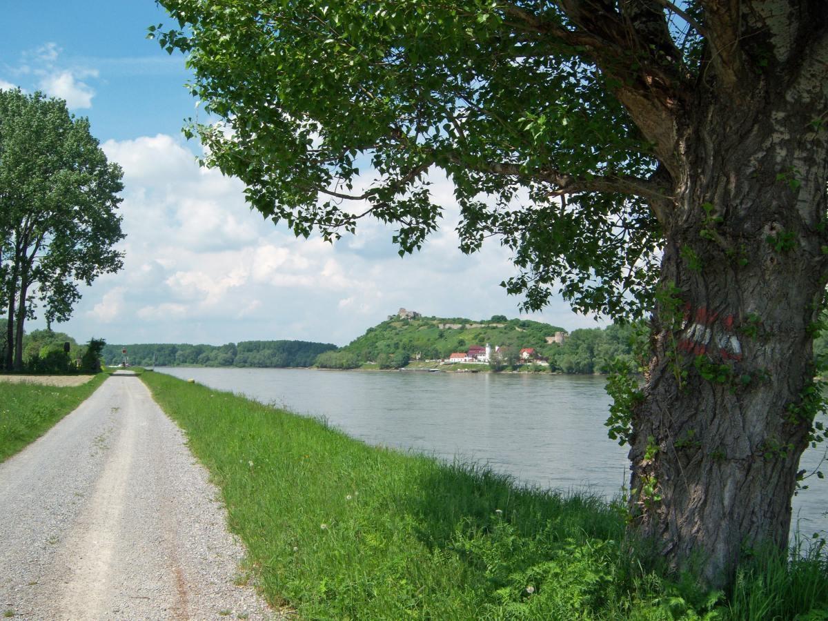 01-Langs-de-Donau-100_1492