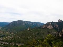Peyreleau, sentier de l'Ermitage Saint Michel